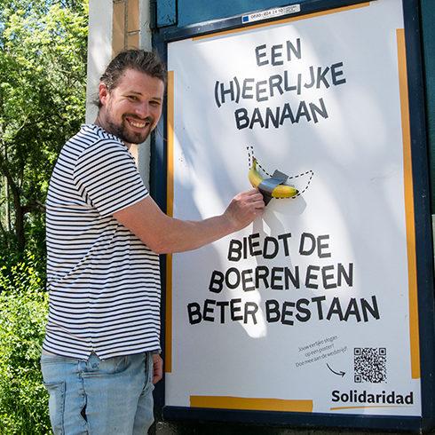 De Eerlijkste Slogan van Nederland - Posters met echte bananen